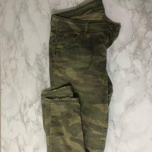 Zara camo Print Jeans euro size 36/ US 4